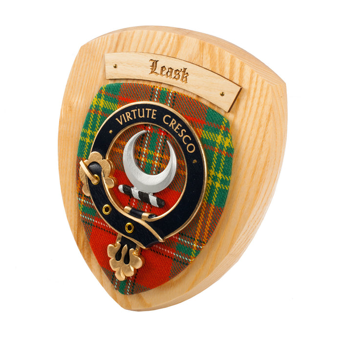 Clans Of Scotland Wooden Crested Wall Plaque Ish Tartan Crests Leask