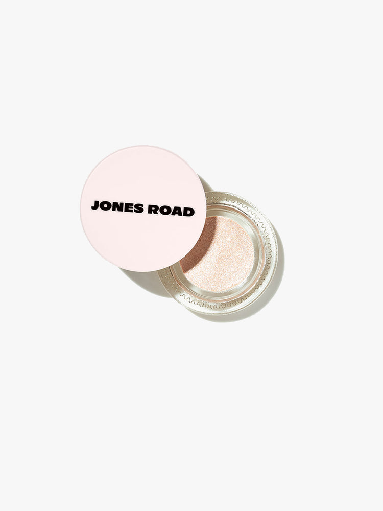Jones Road Just A Sec Clean Eyeshadow in Linen