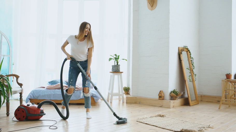 Top Tips to Vacuum Properly on Any Type of Flooring