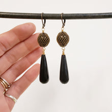 Load image into Gallery viewer, Vintage mesh black onyx drop earrings