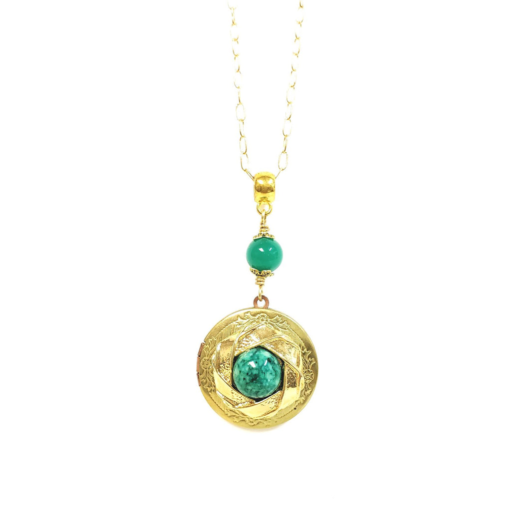 Vintage locket necklace green malachite