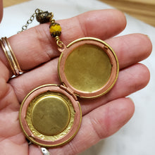 Load image into Gallery viewer, Ochre floral vintage locket