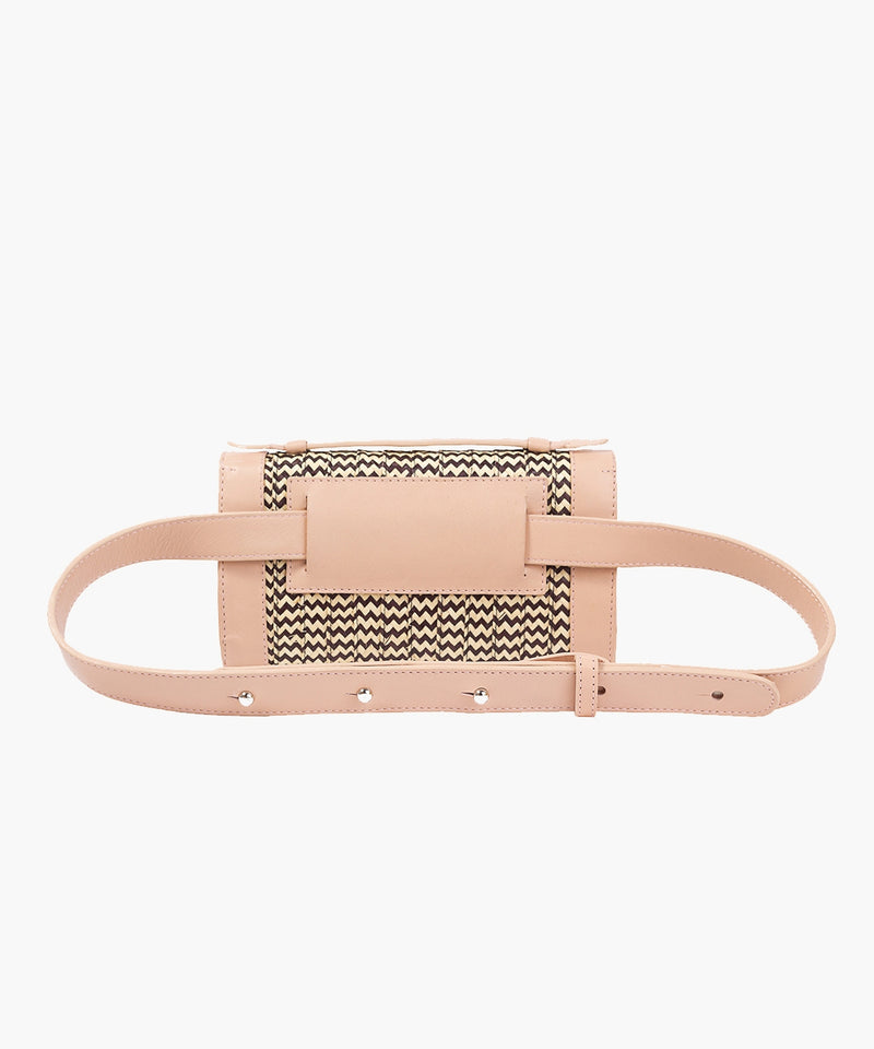 Zenú Belt Bag in Leather and Caña Flecha