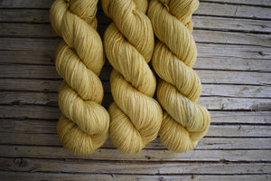 Canola - Cottonwool, hand dyed.