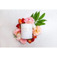 Load image into Gallery viewer, Meeraboo Candle Strawberry and Champagne