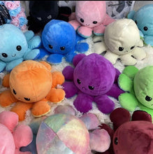 Laden Sie das Bild in den Galerie-Viewer, Reversible Octopus Plush【Buy 2 Free Shipping】