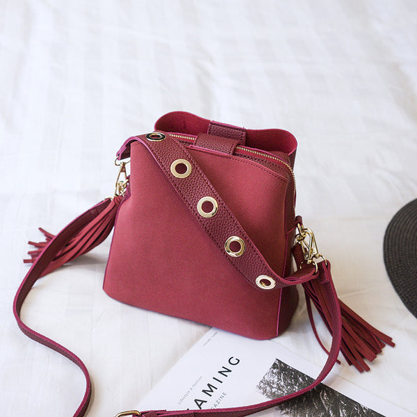 Classic bucket shoulder bag red