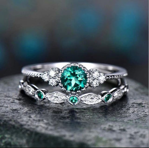 2Pcs Set rings Green Luxury Crystal Rings - Thebuyspot.com