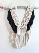 Load image into Gallery viewer, Macrame - Fringe Texture - String Theories Fiber Design