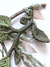 Load image into Gallery viewer, Bravo - Leafy Sculpture - String Theories Fiber Design