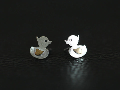 925 Sterling Silver Wire drawing   duck earrings