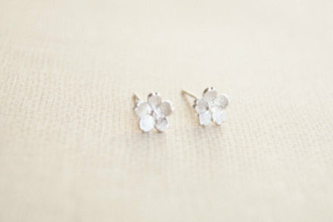 925 Sterling Silver earrings,little flower earrings,tiny flower silver earring studs