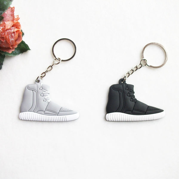 new style c91ea 48a97 Cute Silicone Yeezy 750 Boost Keychain Sneaker Key Chain Kids Key Rings Key  Holder Llaveros Chaveiro Porte Clef