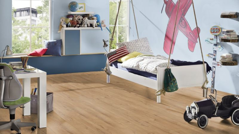 Sherwood Oak 8mm Variostep Classic £8.99m/2