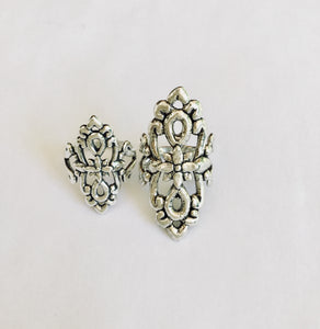 Tantra Ring with Lotus Flower