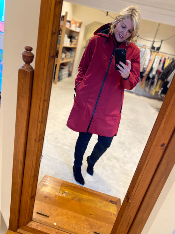 Ilse Jacobsen Rain 128 Rhurbarb red