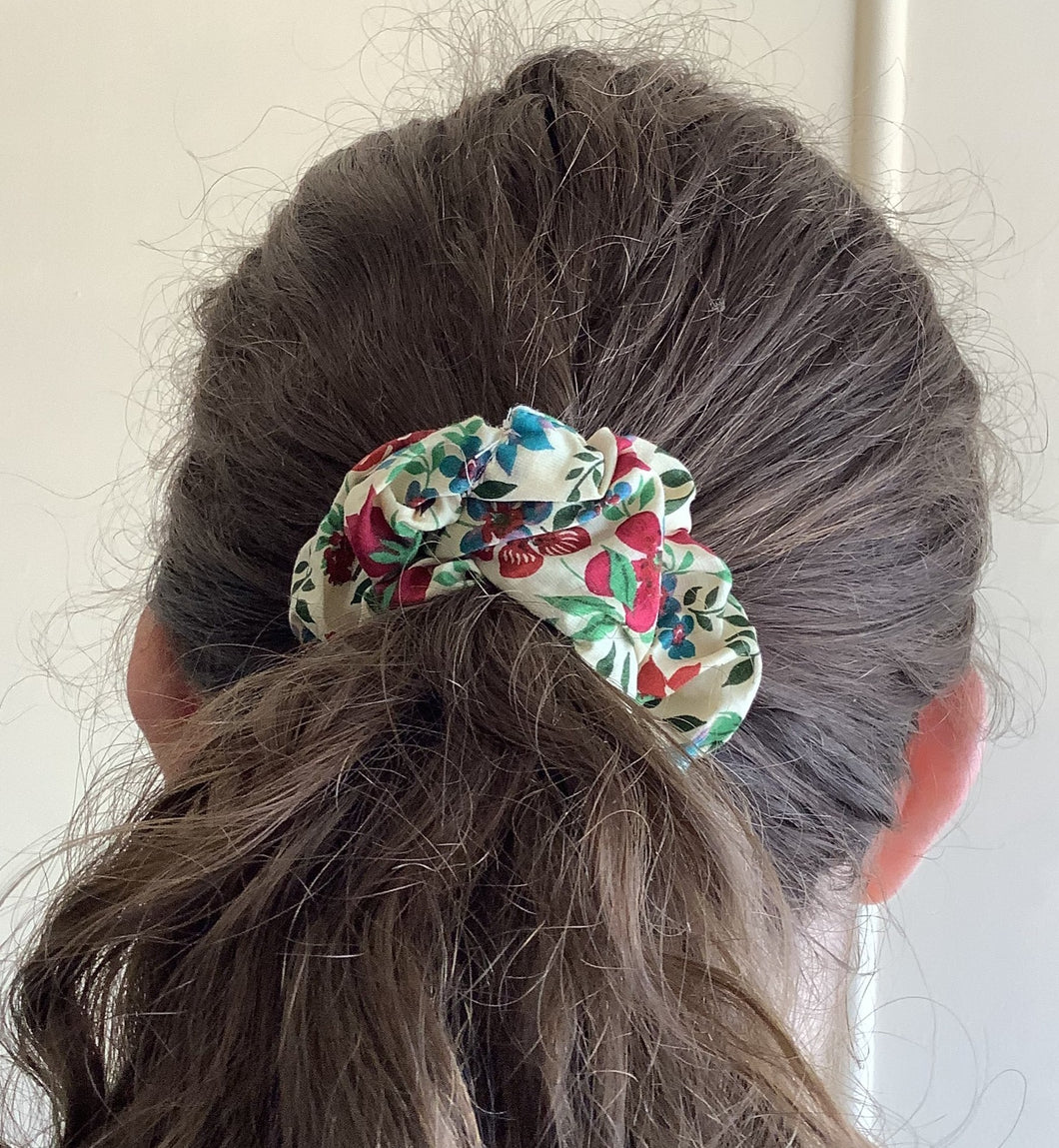 Hair Accessory - Scrunchie - vibrant floral