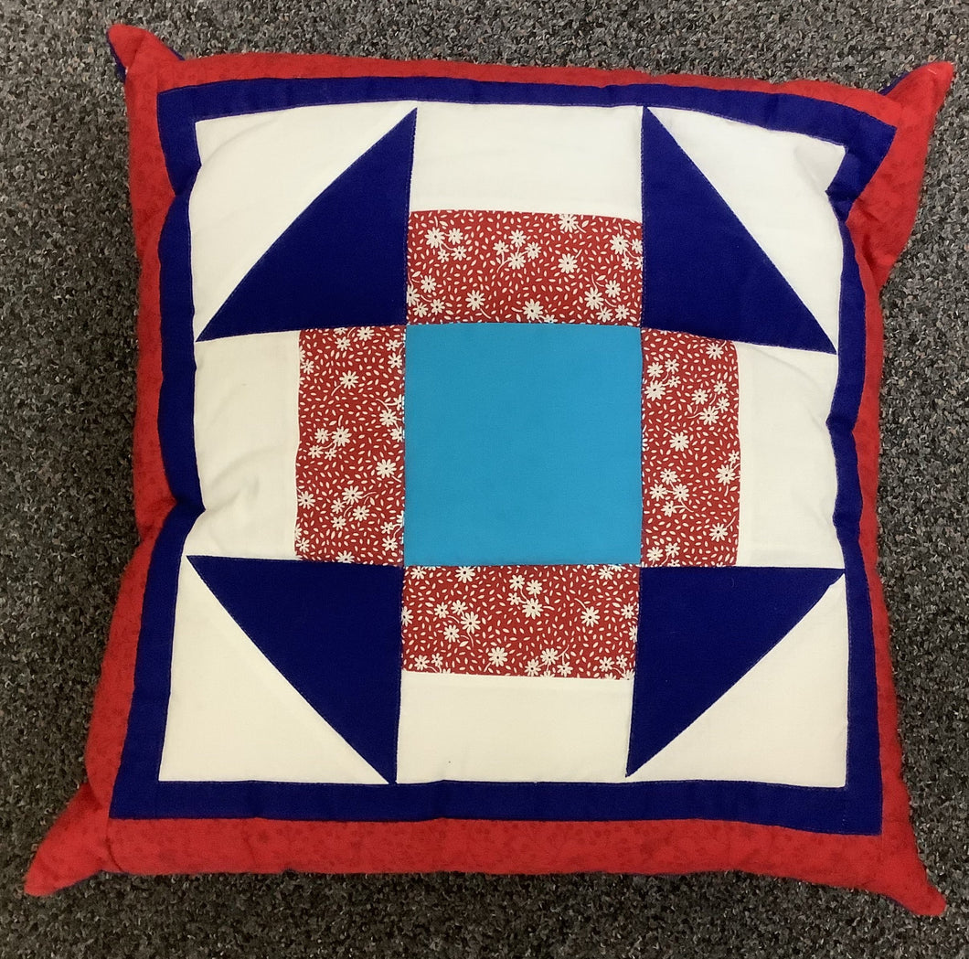Cushion - patchwork - churn dash