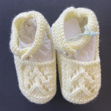 Load image into Gallery viewer, Baby - Booties - yellow