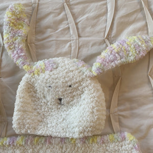 Baby - hat, booties, and blankie set