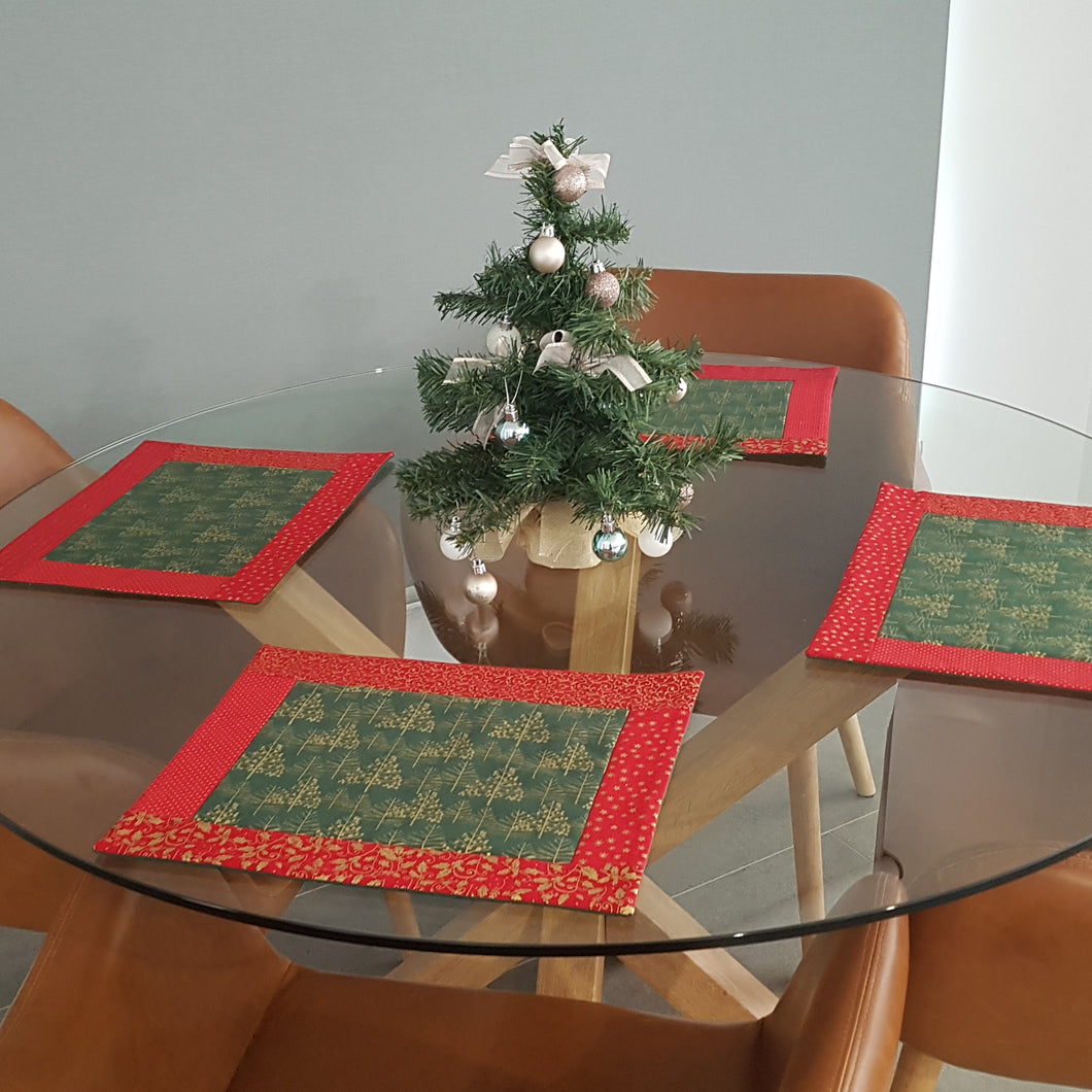 Christmas - Quilted Placemats (set of 4)