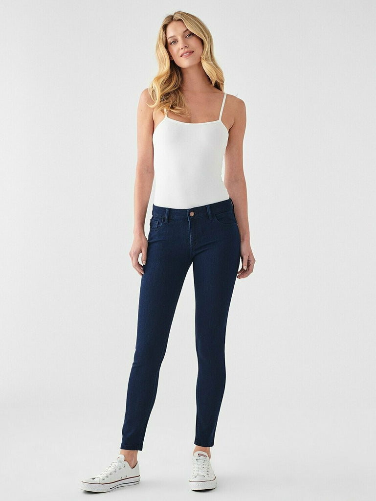 DL 1961 Emma Low Rise Skinny in Stowe model