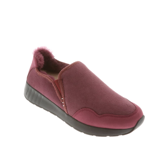 Ms. SNUG SlipOn, Berry on Black Sole
