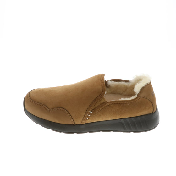 Ms. SNUG SlipOn, Chestnut on Black Sole