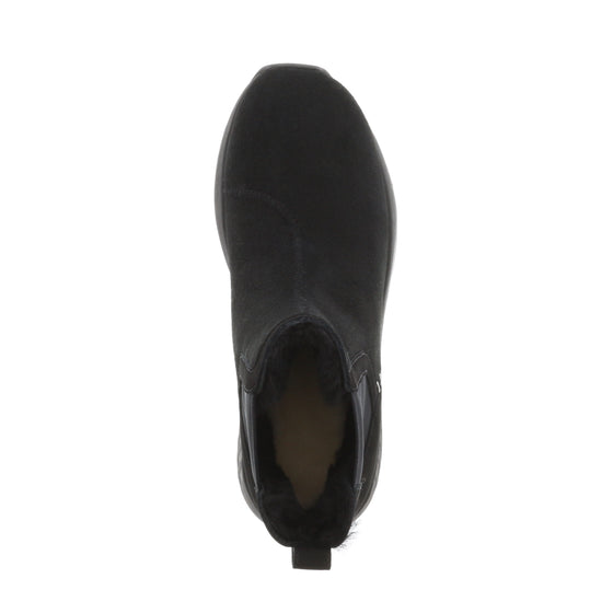 Ms. SNUG Chelsea, Black on Black Sole