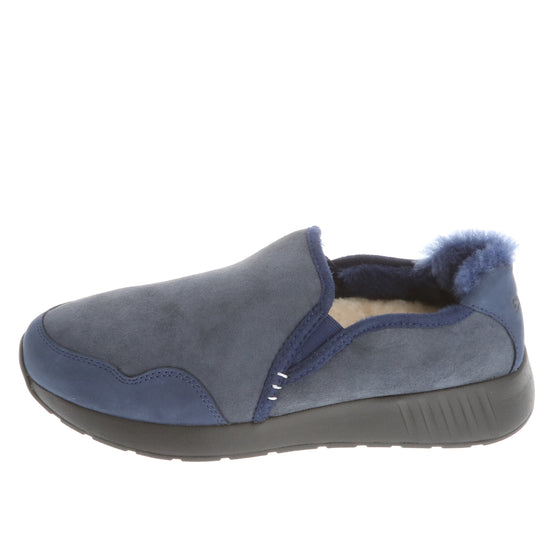 Mr. SNUG SlipOn, Navy on Black Sole