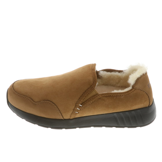 Mr. SNUG SlipOn, Chestnut on Black Sole