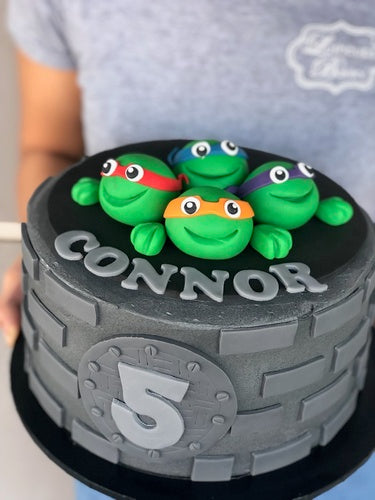 "TMNT trash can 9"" cake"