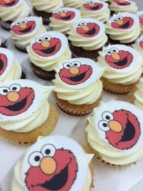 24 mini ELMO WHITE FROST cupcakes