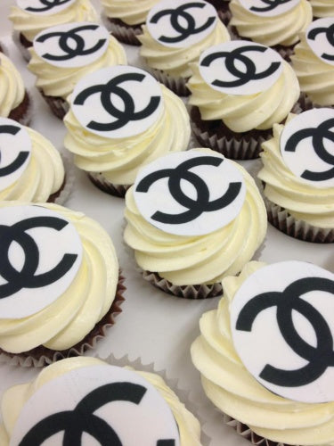 24 CHANEL cupcakes