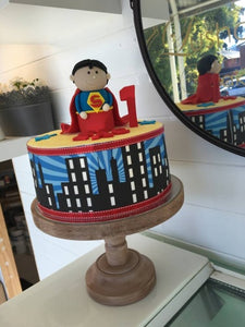 SUPERMAN SKYLINE cake