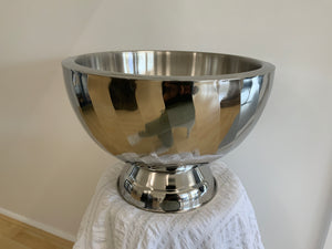 Punch bowl with diagonal swirl