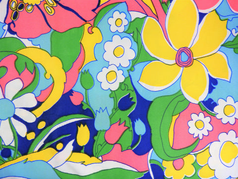 1960s 1970s Retro Fabric - Polyester - Loud Psychedelic Floral - Fabric Remnant - 6P303