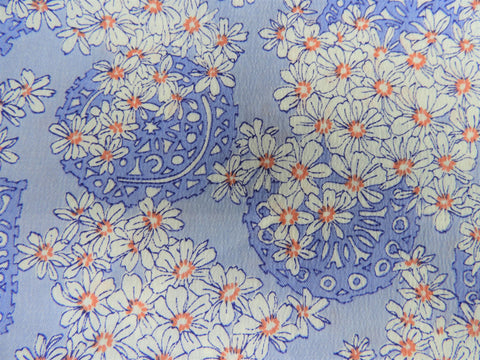 1960s 1970s Retro Fabric - Whipped Cream - Purple - Floral - 6PW68