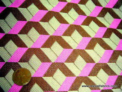 1960s 1970s Retro Fabric - Polyester - Optical Illusion - Pink - Fabric Remnant - SLR5030