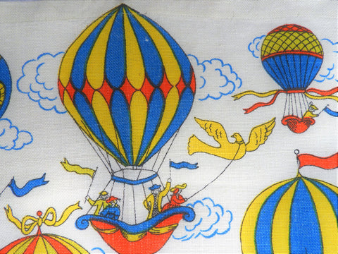 1975 Vintage Calendar Towel - Linen - Hot Air Balloon - TWLC91
