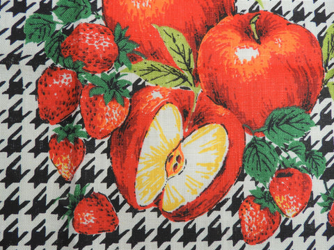 Vintage Tea Towel - Printed Linen - Apple and Strawberry - TWLP45