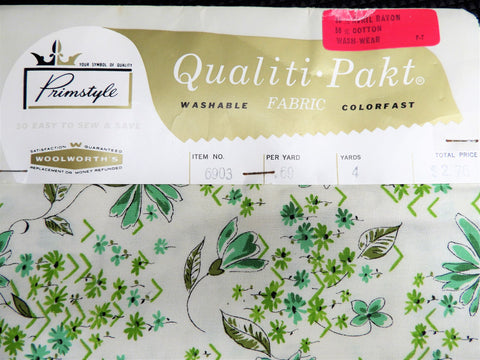 Vintage Fabric - Cotton - Floral - Woolworths Qualiti Pakt - Green - Fabric Remnant - VCL75