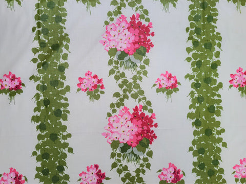 Vintage Fabric - Polished Cotton - Hydrangea - Fabric Remnant - VCL843