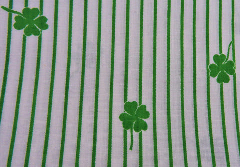 1960s 1970s Retro Fabric - Cotton - Four Leaf Clover - Green - Fabric Remnant - 6C100