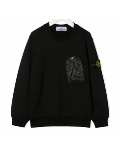 STONE ISLAND JUNIOR ONE POCKET CREWNECK SWEATER IN BLACK