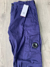 Load image into Gallery viewer, CP COMPANY - PURPLE CARGO PANTS