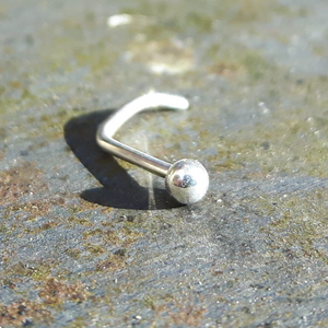 Open image in slideshow, Silver screw nose stud with ball end