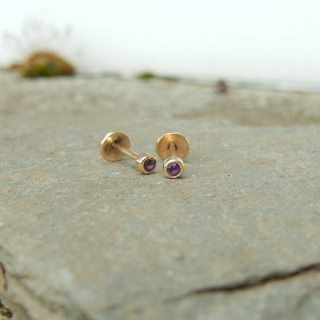9ct gold stud earrings with gemstone
