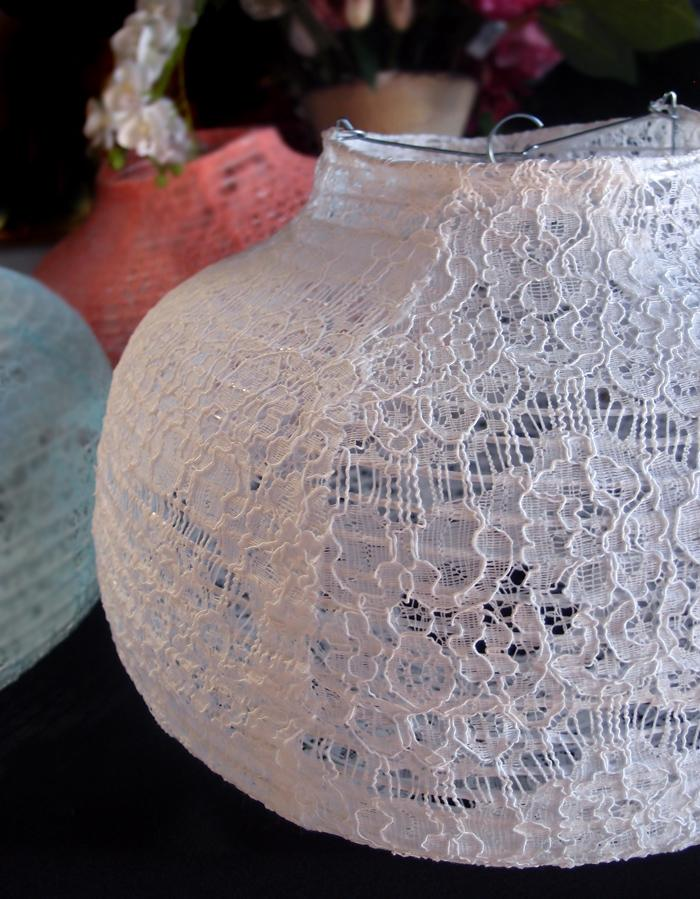 "BLOWOUT 14"" White Lace Fabric Psytker Bell Lantern"