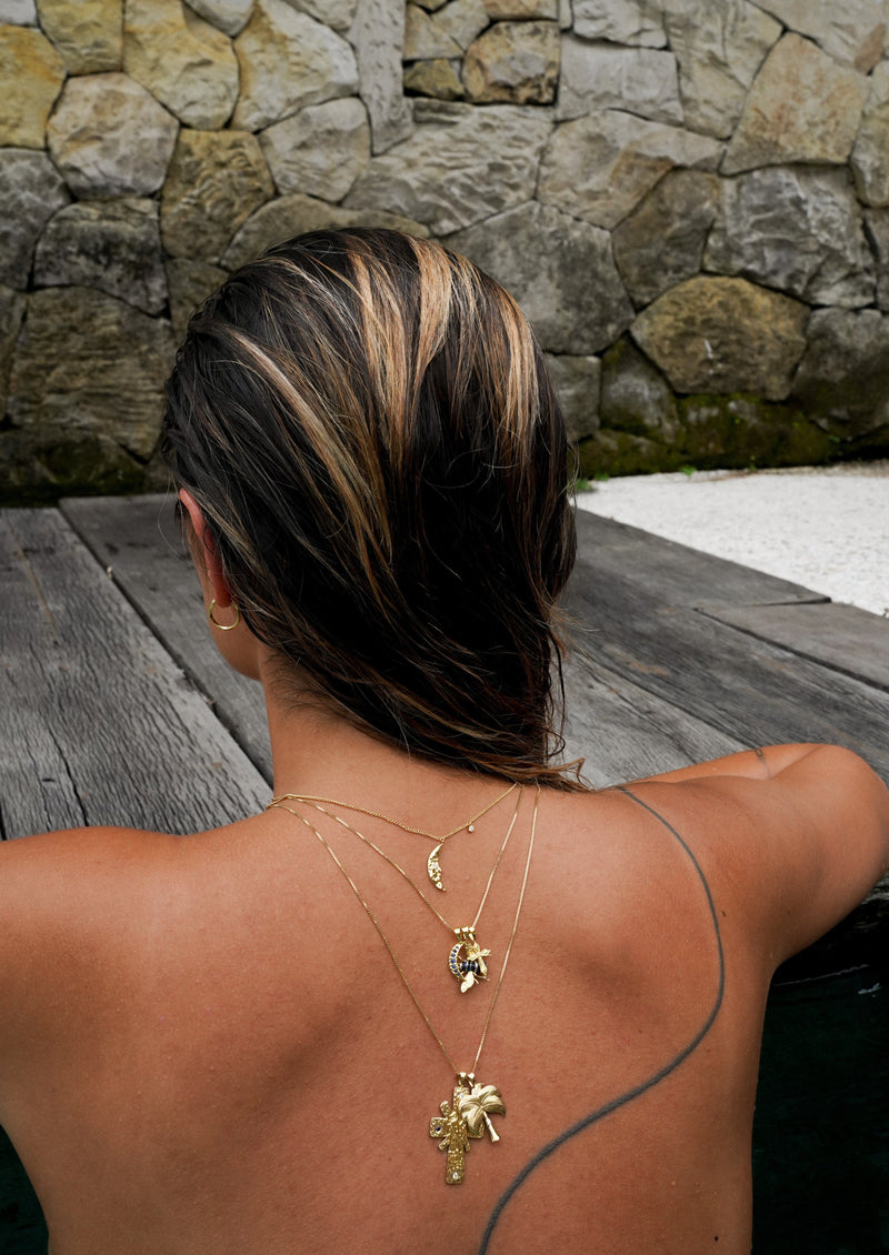 Twinkling Palm Necklace Charm Goldplated
